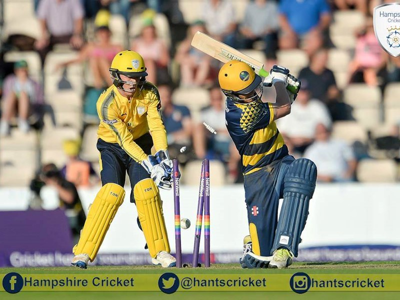 Calvin Dickinson (left) in action for Hampshire County Cricket Club in their T20 Blast match against Glamorgan. Picture by Dave Vokes Photography.