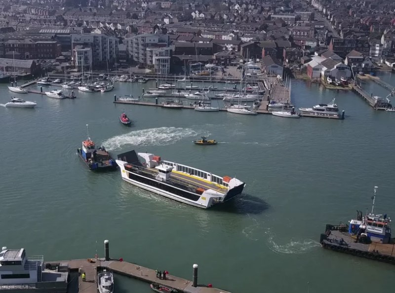 The new floating bridge arriving in Cowes. Picture by Mike Collins.