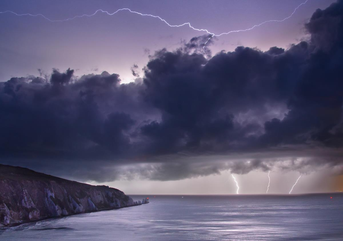 Thunderstorms on the way to Kent as Met Office issues weather warning