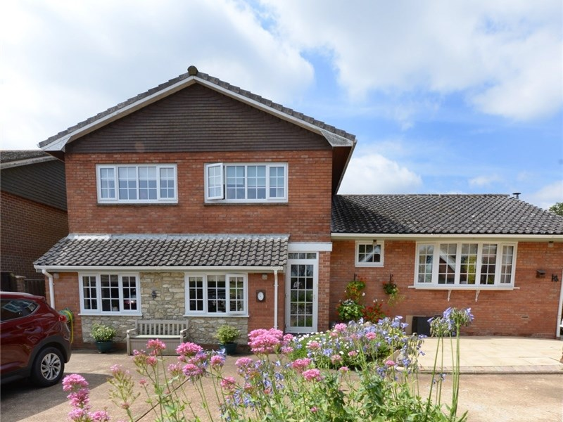 Hillcrest, in Rookley, is a spacious detached property, extensively refurbished to make the most of modern living.
