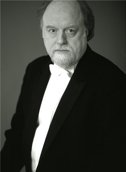 Peter Donohoe will perform at Memorial Hall, Freshwater.