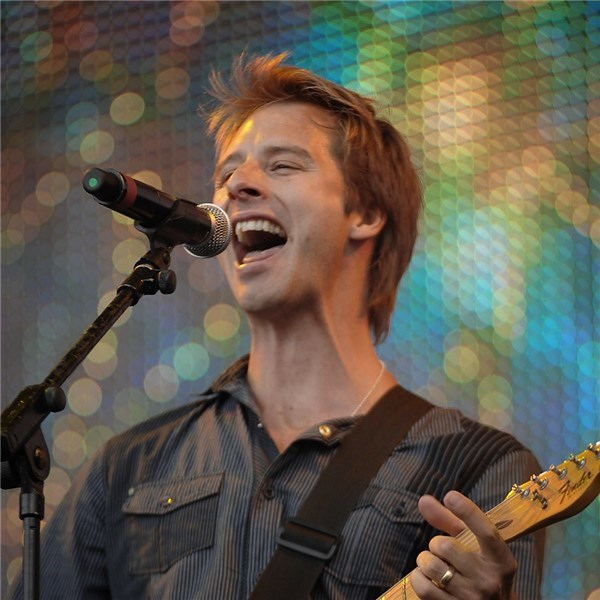 Singer, songwriter and actor Chesney Hawkes has joined the line-up for 2018's Jack Up The 80s festival.