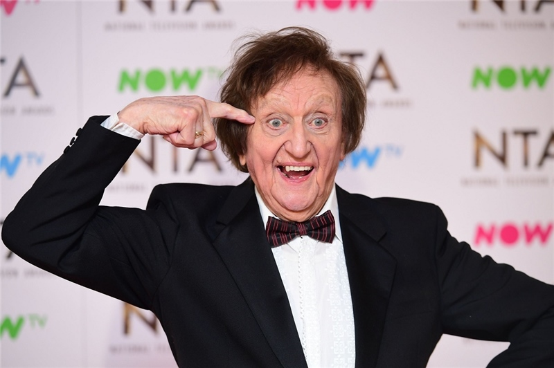 Sir Ken Dodd: Tributes to the 'master of tickling sticks'