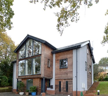 This stunning, sixbedroom, architectdesigned home in Quarr Close, Ryde, is just two years old, on the outskirts of town and a stroll away from Quarr Abbey.