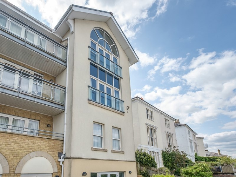 Perceval is a superb four-bedroom Cowes apartment, enjoying fabulous views of The Solent through its feature arched window.