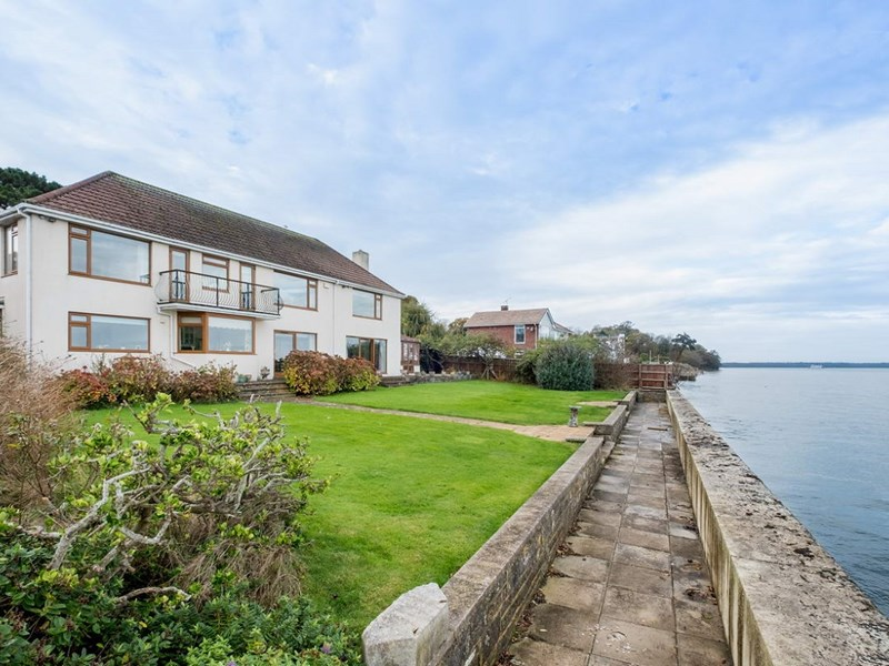 Oh, you do like to live beside the seaside?