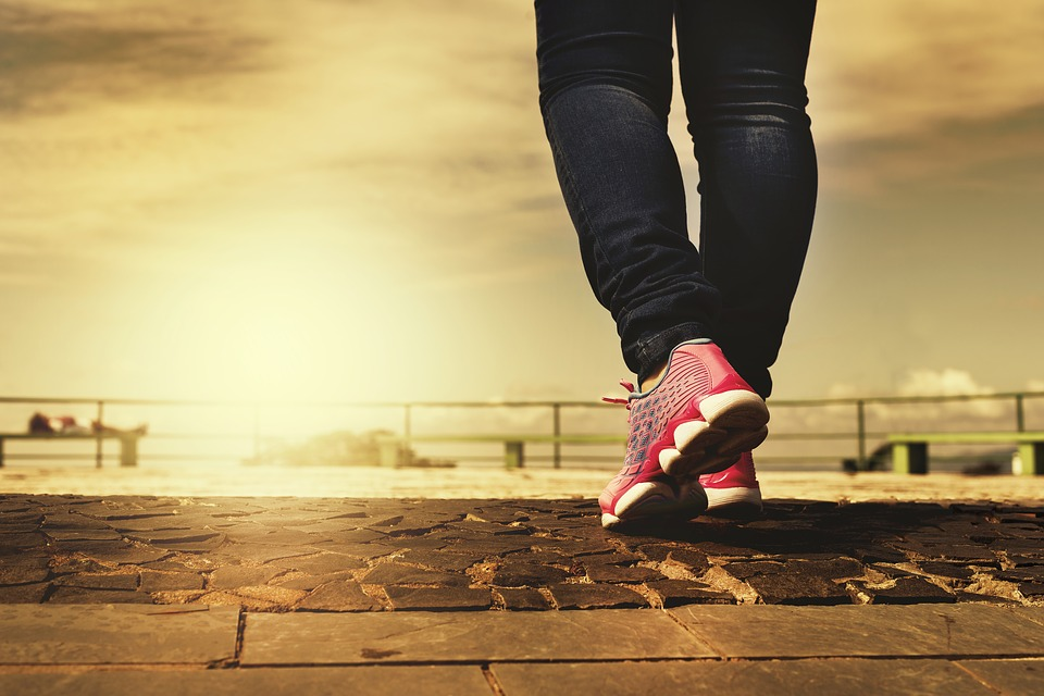 Millions fail to walk briskly for 10 minutes a month
